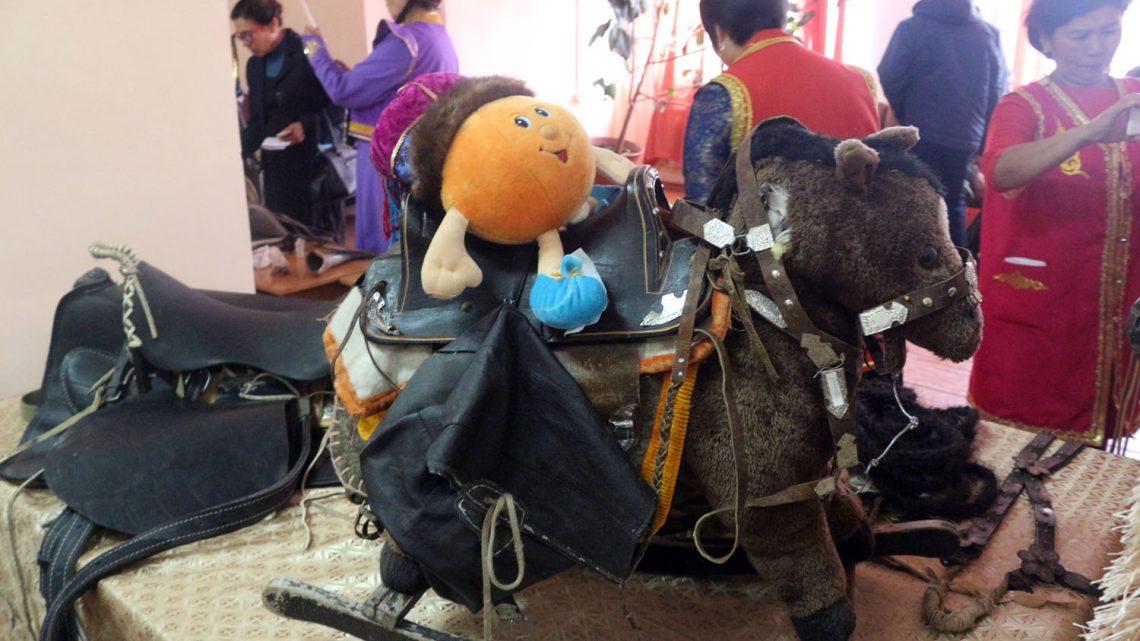 В Усть-Коксе прошел фестиваль конской упряжи